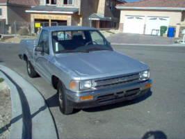 dancs 1989 Toyota Hilux photo thumbnail