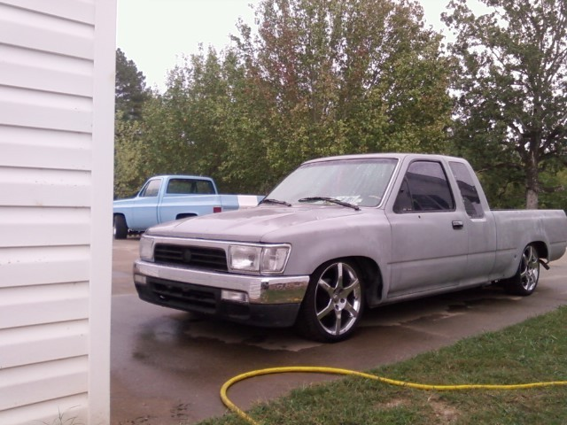 chopped~n~droppeds 1994 Toyota Hilux photo