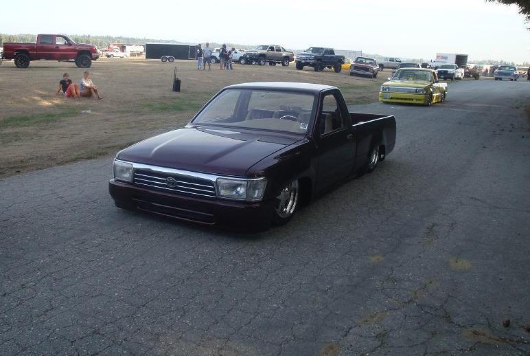 slammedcivicsis 1992 Toyota Hilux photo
