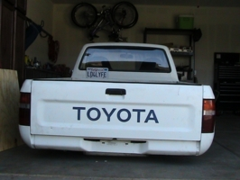 clmelt1s 1993 Toyota Hilux photo thumbnail