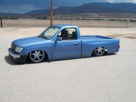 i8nt2los 1998 Toyota Tacoma photo thumbnail