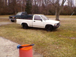 jdubb757s 1989 Toyota Hilux photo thumbnail