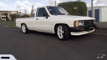 ryan89luxs 1989 Toyota Hilux photo thumbnail