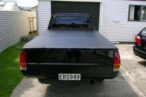 evlb2ks 1983 Mitsubishi L200 photo thumbnail