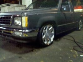 chicos 1987 Dodge D50 photo thumbnail