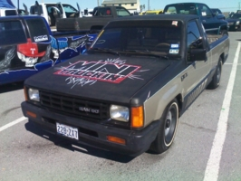 esteban38s 1989 Dodge D50 photo thumbnail
