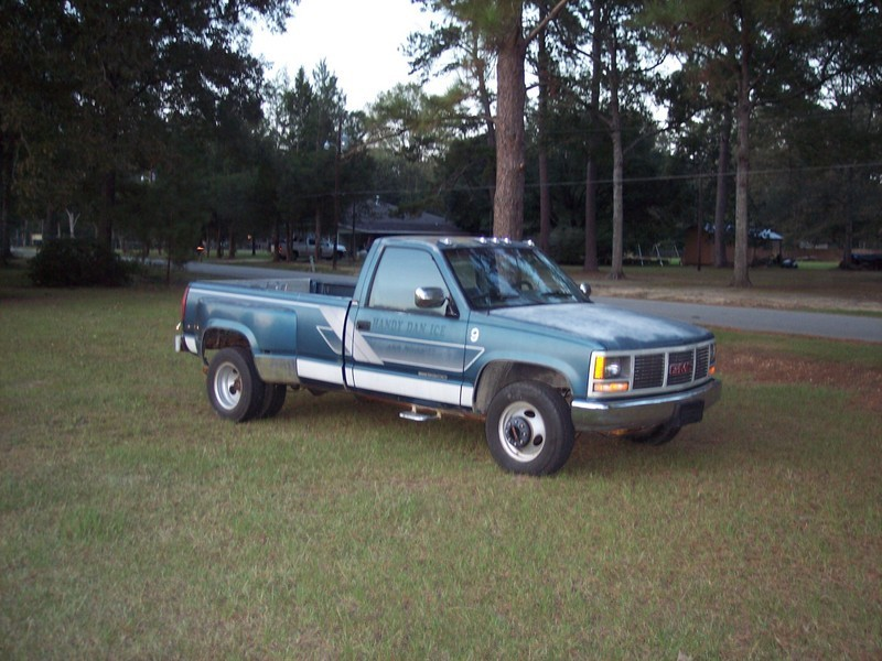 nvrdoned50s 1990 GMC Sierra photo