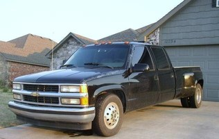 duallyjeffs 1993 Chevrolet C3500 photo thumbnail