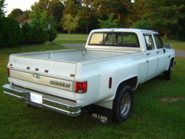 d.fenss 1988 Chevrolet R30 photo thumbnail