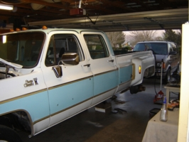 jcampbell1180s 1977 GMC C30 photo thumbnail