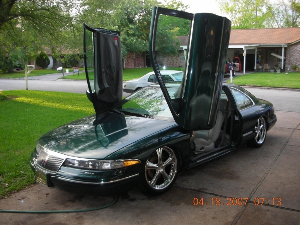 bagdduallyon24zs 1994 Lincoln continental photo