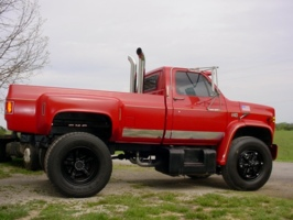 bigasstruxs 1987 GMC C7000 photo thumbnail