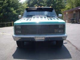 b2600bombers 1984 Chevrolet C3500 photo thumbnail