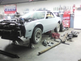 linkenhoker123s 1985 Chevy Camaro photo thumbnail