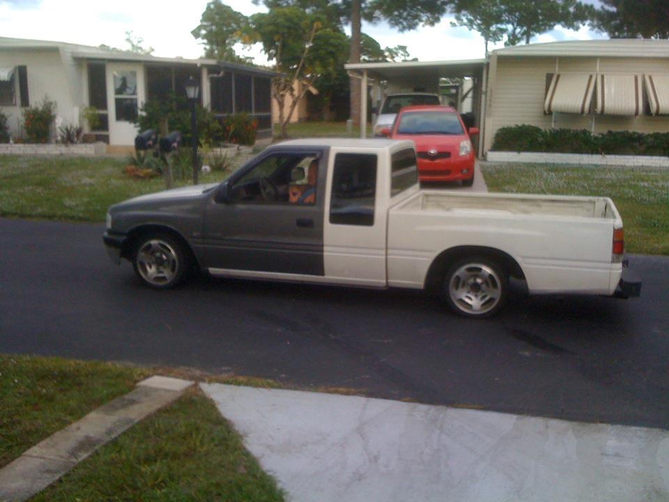 perfectlywickeds 1992 Isuzu Pick Up photo