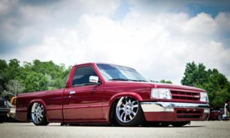 kovzs 1988 Mazda B Series Truck photo thumbnail