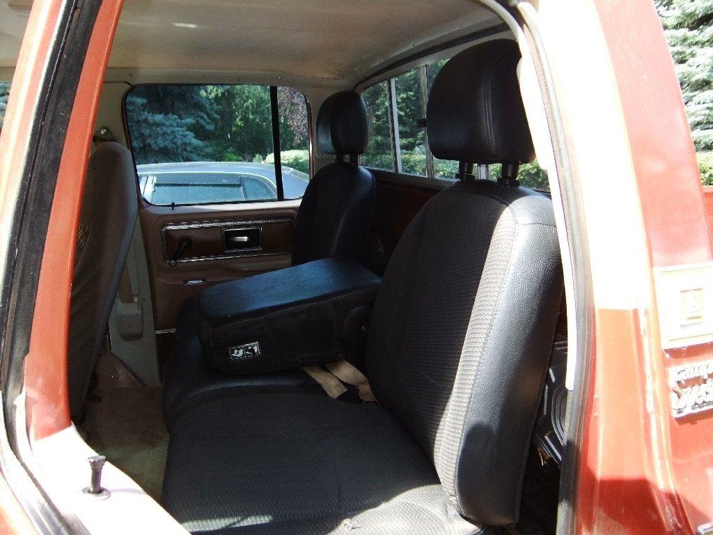 Square Body Crew Cab Back Seat????? - Street Source