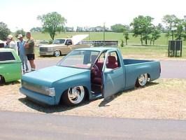 tucNwhLs 1990 Nissan Hard Body photo thumbnail