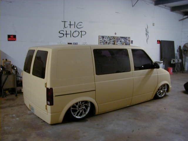 TheShops 1986 Chevy Astro Van photo