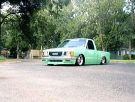 Wikedisuzus 1992 Toyota Pickup photo thumbnail