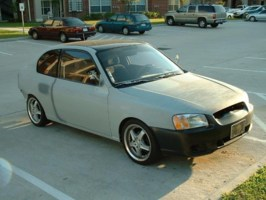 HoustonsSinners 2000 Hyundai Accent photo thumbnail