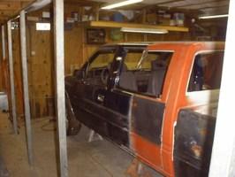 Lowasigos 1990 Toyota Pickup photo thumbnail