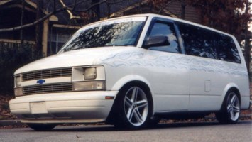 SuperVans 1995 Chevy Astro Van photo thumbnail
