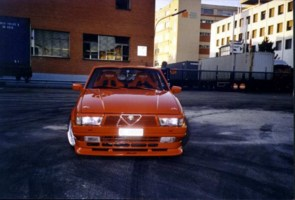 firefoxs 1986 Alfa Romeo 75 photo thumbnail