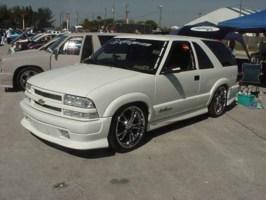 XTREMEBLAZNs 2001 Chevy Blazer Xtreme photo thumbnail