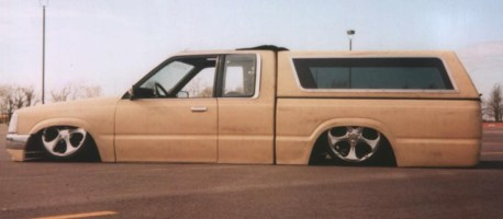 insaneones 1986 Mazda B2000 photo thumbnail