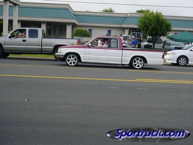 crux131s 1986 Mazda B2000 photo