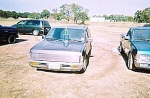 phantomduallyminis 1996 Nissan King Cab photo thumbnail