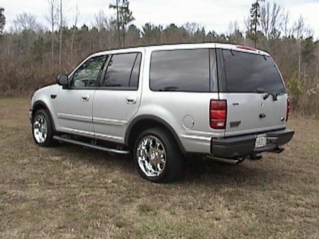 freddybear21s 2000 Ford  Expedition photo