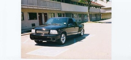 Lowered4Life99s 1999 GMC Sonoma photo thumbnail