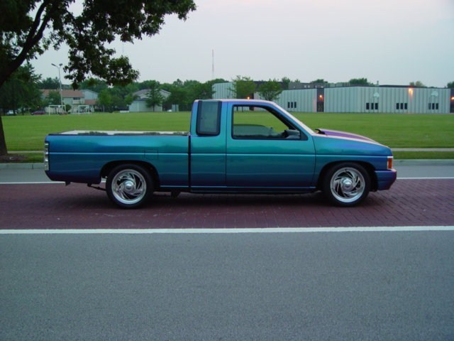 goose45s 1991 Nissan King Cab photo