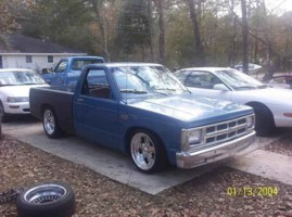 slammed88s10s 1988 Chevy S-10 photo thumbnail