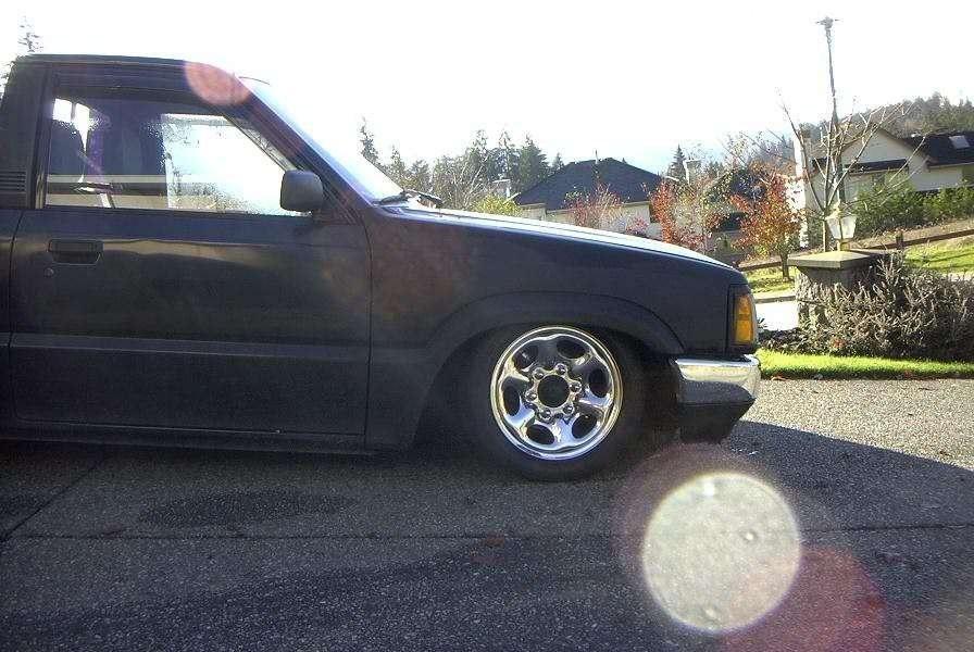 MazDans 1991 Mazda B2200 photo