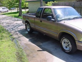 low97s10s 1997 Chevy S-10 photo thumbnail