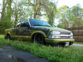 jnsane1s 2003 Chevy S-10 photo thumbnail