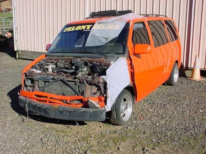 twisteds 1990 Chevy Astro Van photo