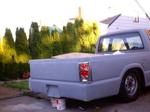lkrayzies 1986 Mazda B2000 photo