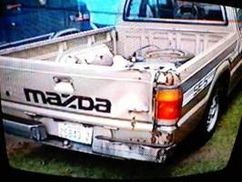 lkrayzies 1986 Mazda B2000 photo thumbnail