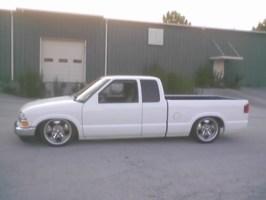 wht97s10s 1997 Chevy S-10 photo thumbnail