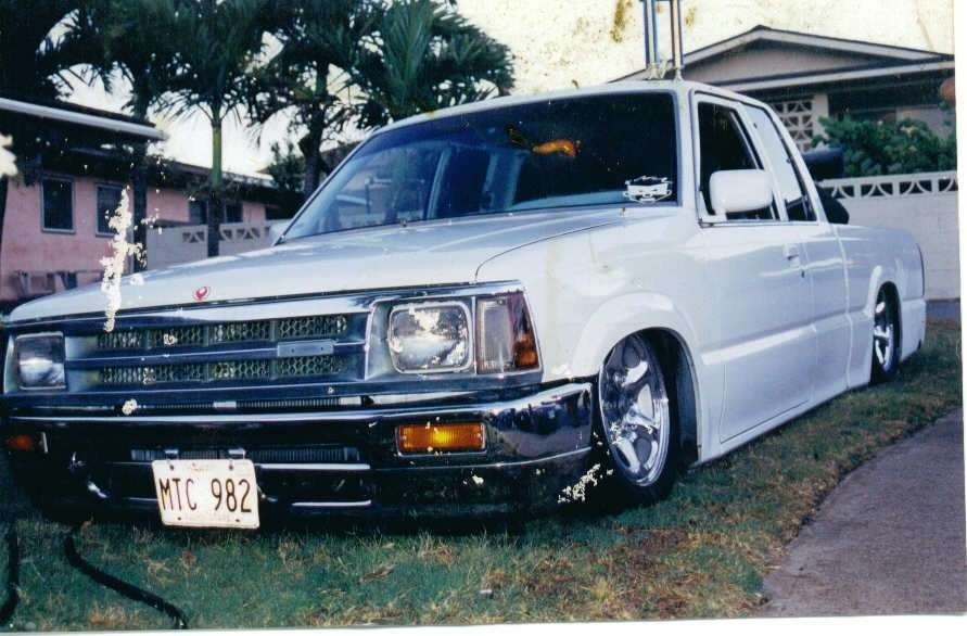mauimazdawgs 1990 Mazda B2200 photo