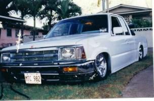 mauimazdawgs 1990 Mazda B2200 photo thumbnail