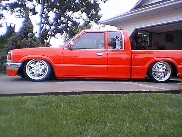 CVMs 1988 Mazda B2200 photo