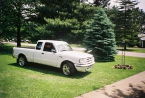 GlOwN 96s 1996 Ford Ranger photo thumbnail