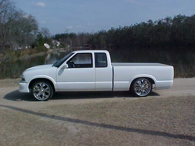 s10withcaddyss 1998 Chevy S-10 photo