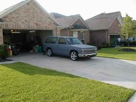 TUCKINRIMONS10s 1985 Chevy S-10 Blazer photo thumbnail