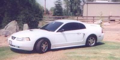 Ando151s 2000 Ford Mustang photo thumbnail